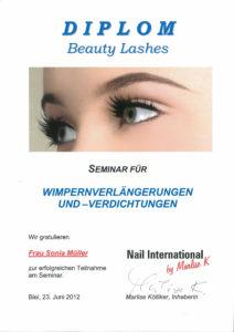 Diplom Wimpernverlängerungen und -Verdichtungen bei Nail International by Marlise K, Biel 2012